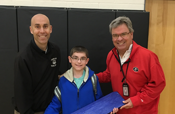Fifth Grader donates to Lynch Bustin